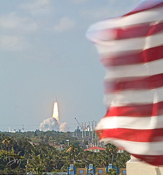 Shuttle_&_Flag